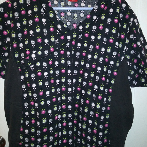 Dickies Other - Womens Dickies multi-color scrub top. Size XL